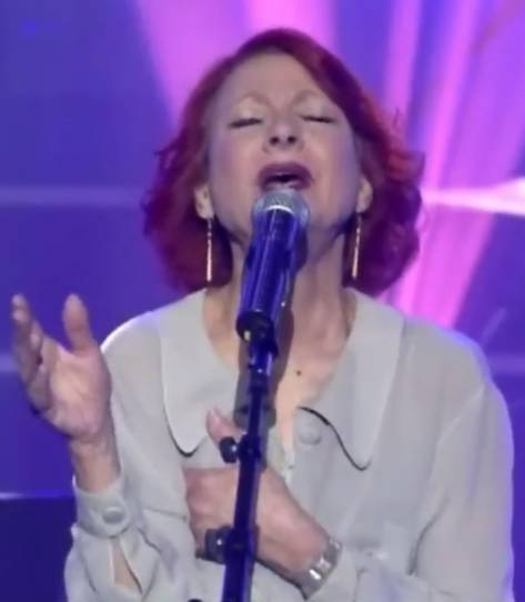 Esther Ofarim at the Renewed Israeli Song Festival 2013